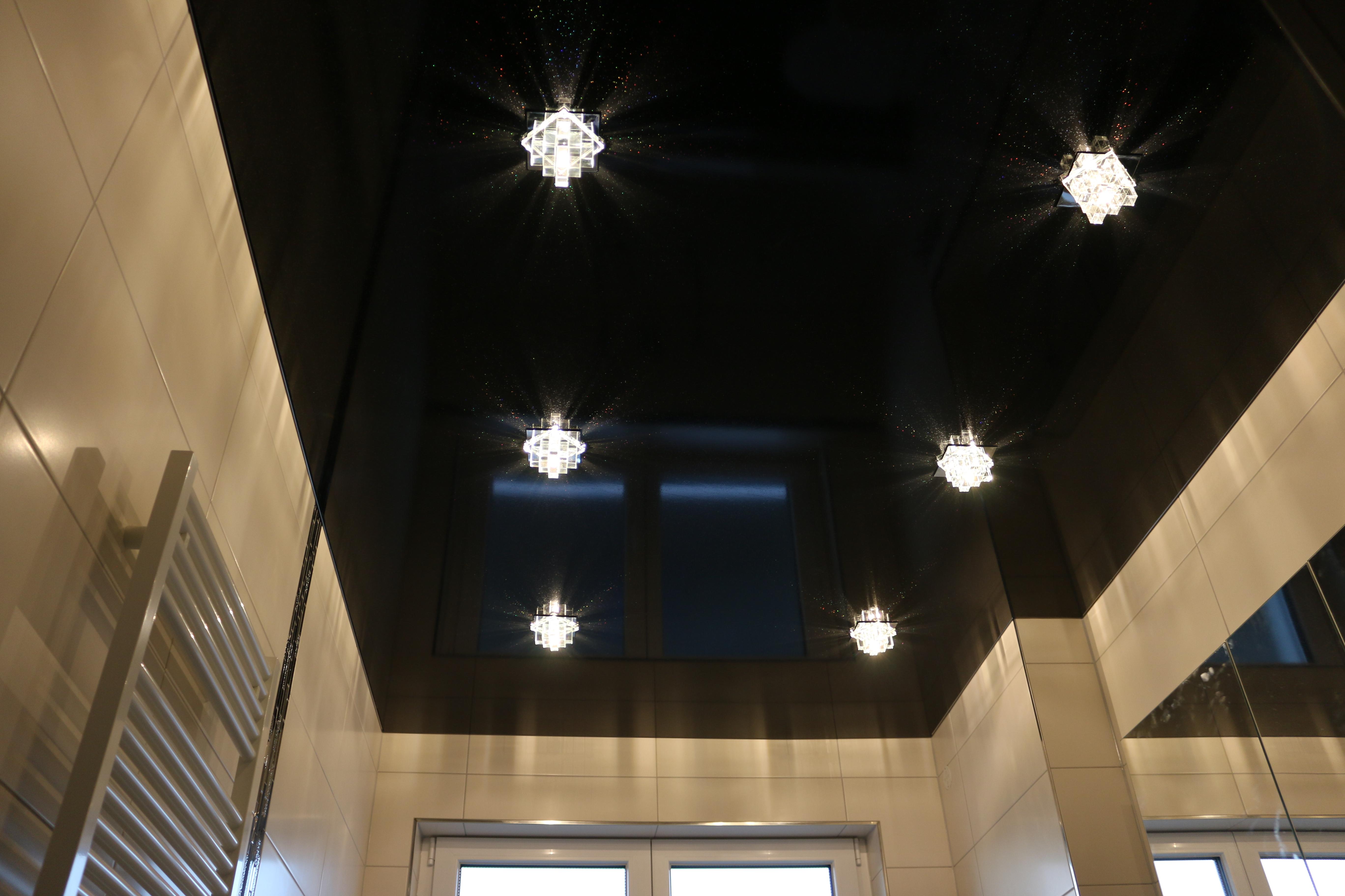 spanndecken bechtold spanndecke schwarze glitzernde sterne decke. Black Bedroom Furniture Sets. Home Design Ideas